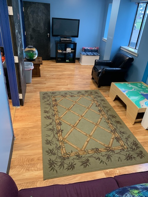 With plenty of seating space and a BIG flat screen television, this zone is where Ozonians can play with Leggos or Building Blocks while watching their favorite shows or movies.